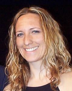Singer/songwriter, Emily Schiavi