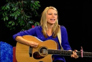 Singer-songwriter, Sara Nelms