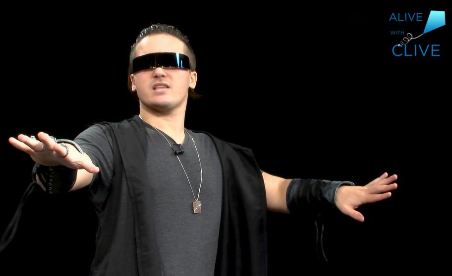 Singer-songwriter, Xander Marx