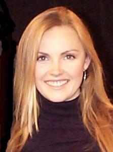 Singer/songwriter, Cassandra Kubinski