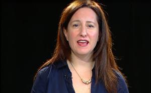 Singer-songwriter, Elaine Romanelli