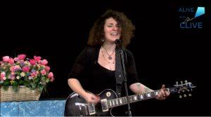 Singer-songwriter, Hanna Barakat