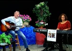 Singer-songwriter, Jay Hitt, accompanied by Lisa Jane Lipkin