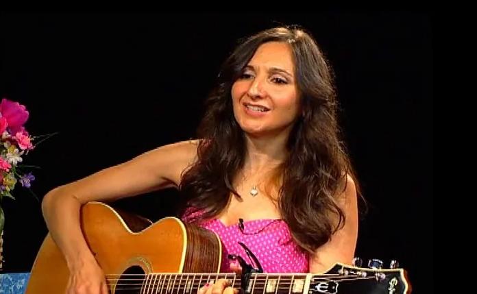 Singer-songwriter, Jeneen Terrana