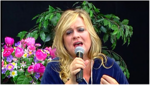 Singer-songwriter, JennieGirl