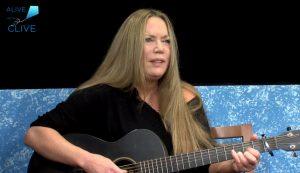 Singer-songwriter, Kaydi Johnson