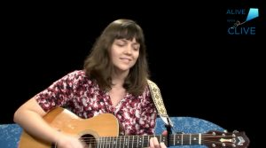Singer-songwriter, Lesley Barth
