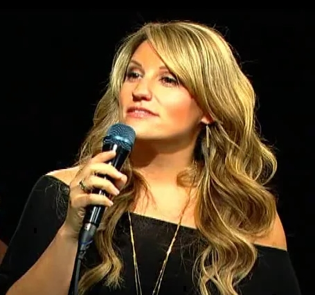 Singer-songwriter, Leslie DiNicola