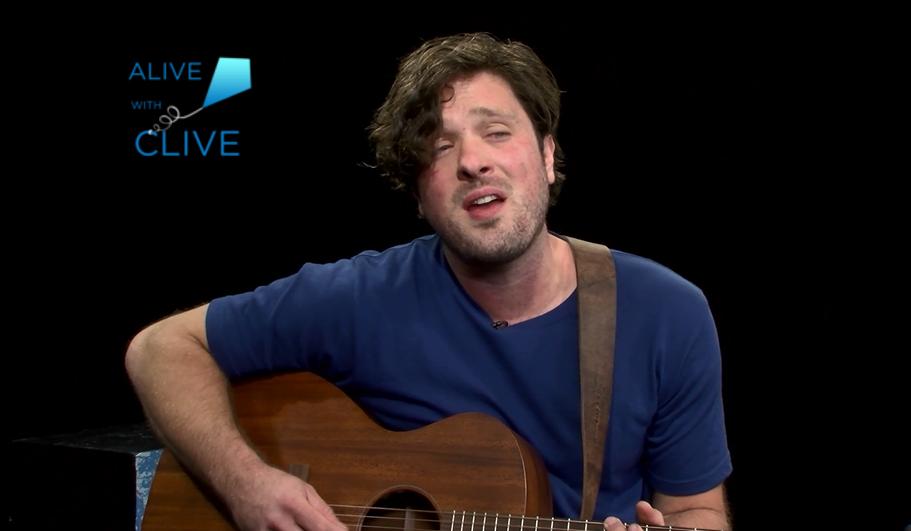 Singer-songwriter, Luke Buck