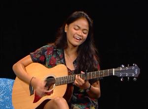 Singer-songwriter, Pam Reyes