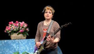 Singer-songwriter, Patoirlove