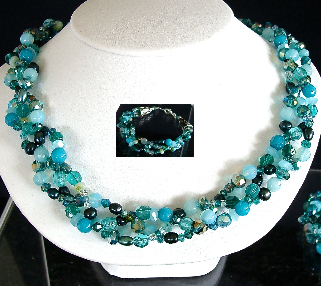 Handcrafted necklace and matching bracelet made of semi-precious gemstones, from BeadZbyRoZ